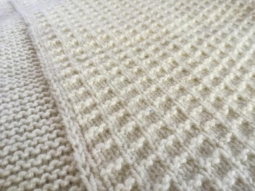 couverture naissance 9 mois tricoter indispensables bébé lili comme tout